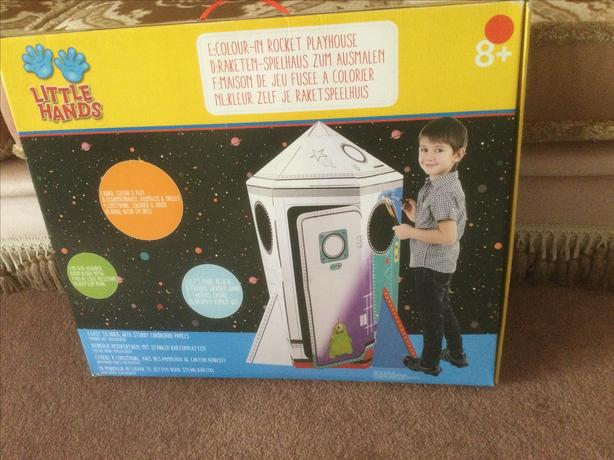 Colour in playhouse rocket