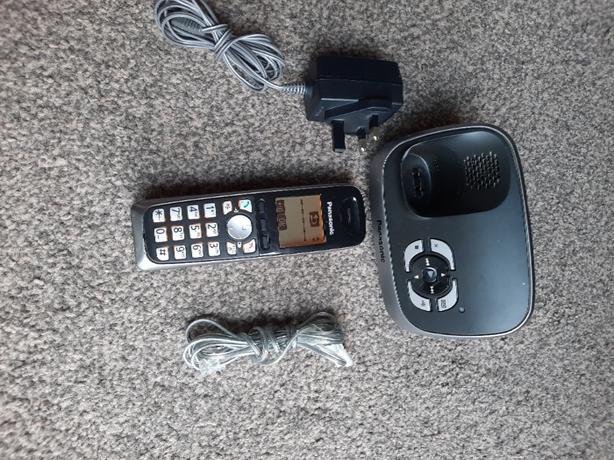 Panasonic landline phone KX-TG6521E