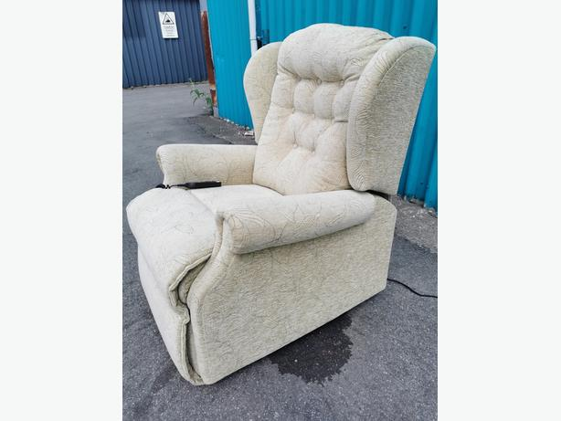 Electric Rise and Recline Armchair
