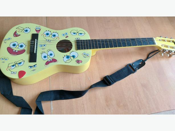 Spongebob squarepants 1/2 size acoustic guitar
