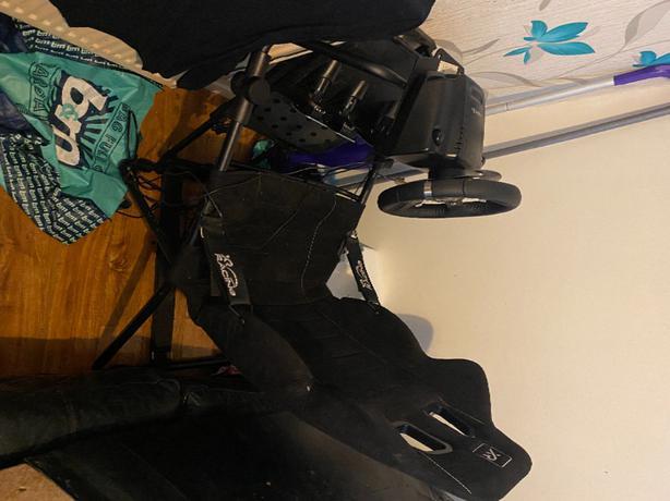 logitech steering wheel,pedals,gear stick + xrocker gaming chair xbox