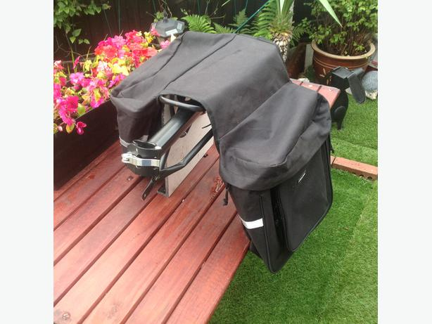Bike carrier with side bags