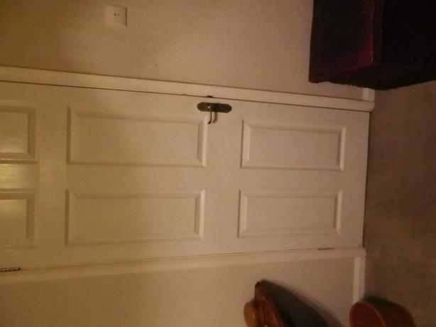 6 PANEL INTERNAL PANEL DOOR, WHITE WITH HANDLES