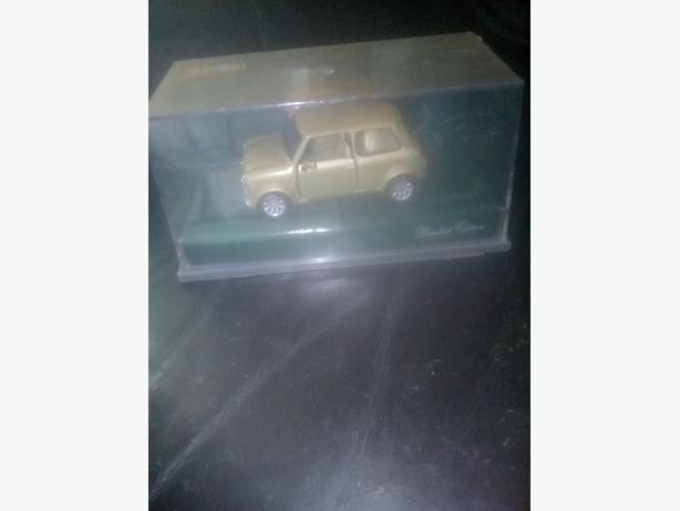 corgi model gold mini  limited edition