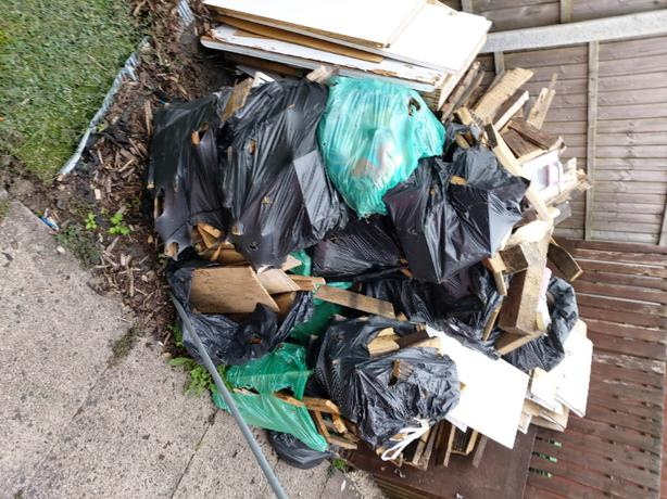FREE: WOOD FREE TO COLLECTER