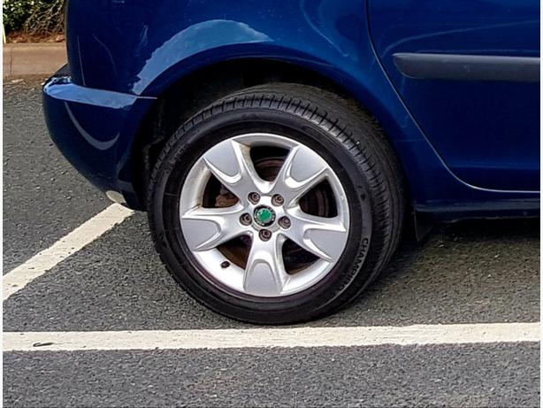 WANTED: SKODA ROOMSTER 15 INCH ALLOY WHEEL & TYRE