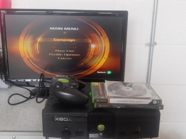 Xbox console & x3 games