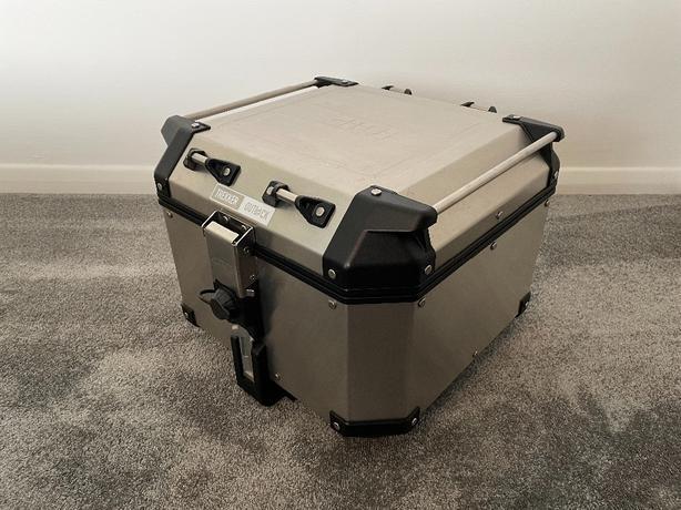 Givi TREKKER OUTBACK 42L Top Box Aluminium (Monokey)