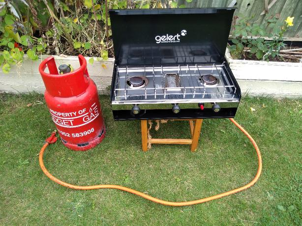 Gelert double burner and grill with almost full gas bottle