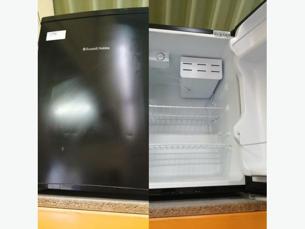 RUSSELL HOBBS TABLE TOP FRIDGE WITH WARRANTY AT RECYK APPLIANCES