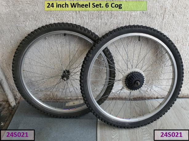 24 inch wheel set. 6 cog.