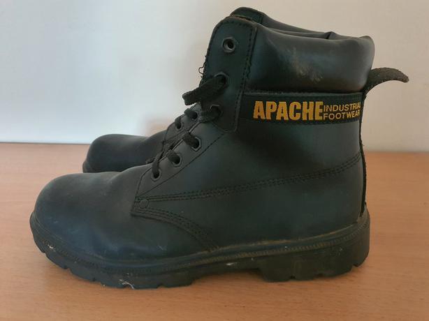 Apache Steel Toe Cap Boots. Size 9