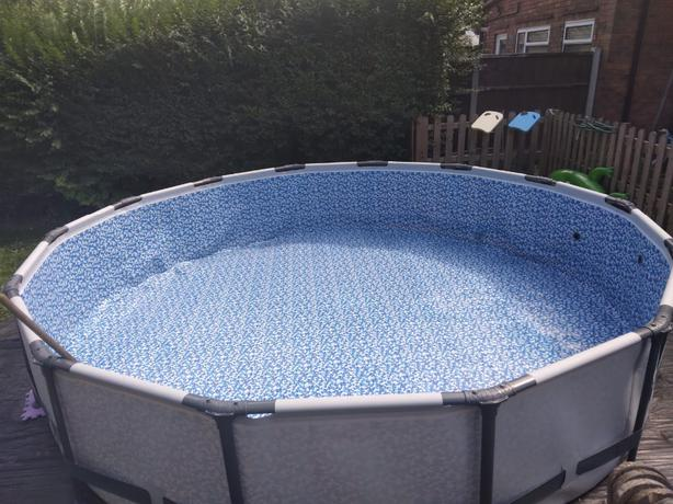 14ft BEST WAY PRO FRAMED SWIMMING POOL WITH HEATER £200  NO OFFERS 4 MONTHS OLD