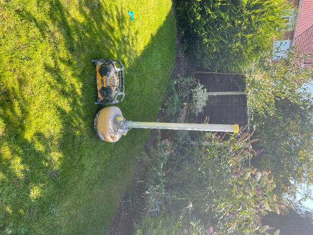 plastering lamp and dewalt radio