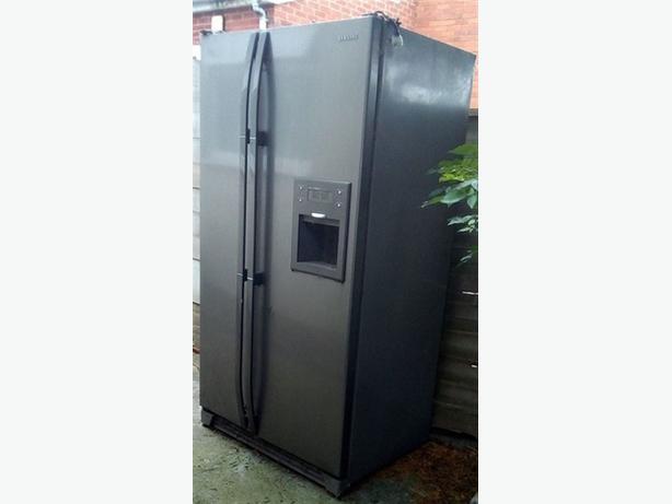 FREE: (2 x fridge freezers. Not working, to dispose)