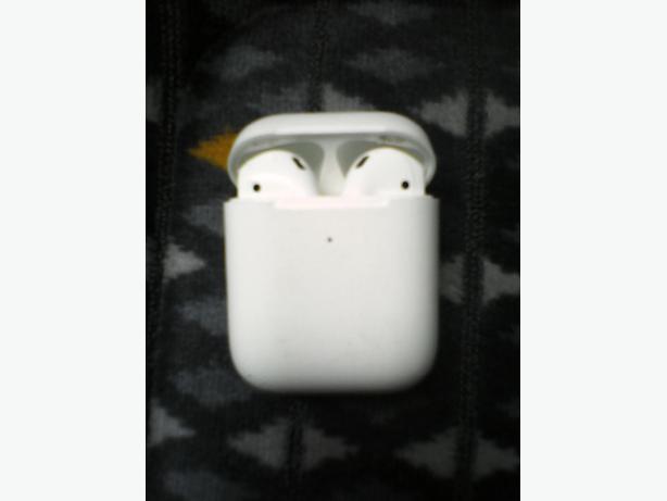 Iphone Air Buds 2nd Genaration