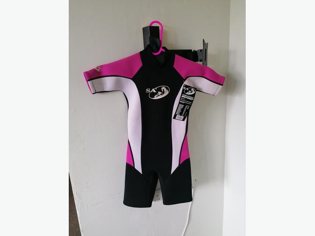 wet suit for young child 2/3 years