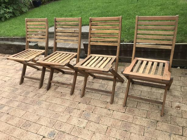 Set of 4 solid teak folding garden outdoor chairs