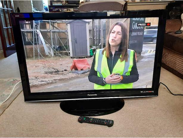 42 inch panasonic viera hd tv+freeview+remote+DELIVERY