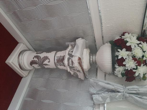 pedestal and flower pot