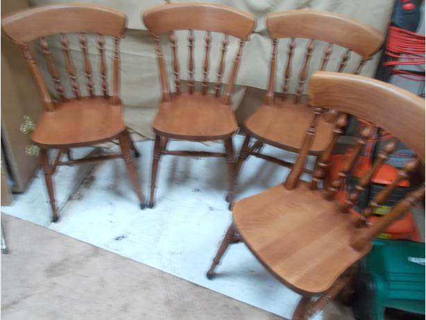 Set of 4 Wooden Reproduction Dining Chairs