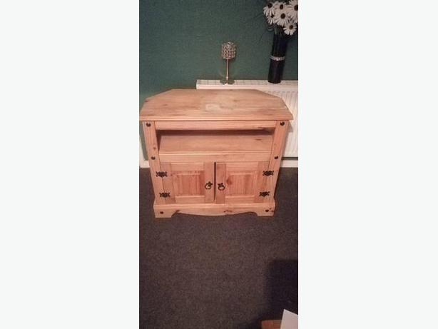 pine TV stand - can deliver - £15 -