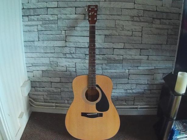 Yamaha Guitar F310