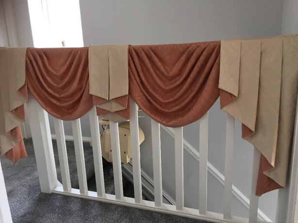 CURTAIN SWAGS & TAILS