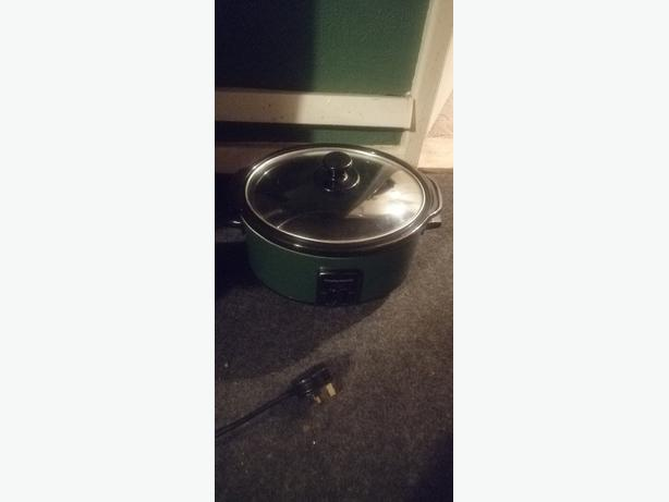 Russell Hobbs slow cooker - new - £10 - delivery -