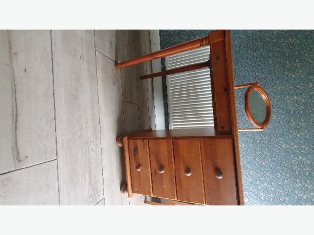FREE: Free to collect Dressing table + Mirror