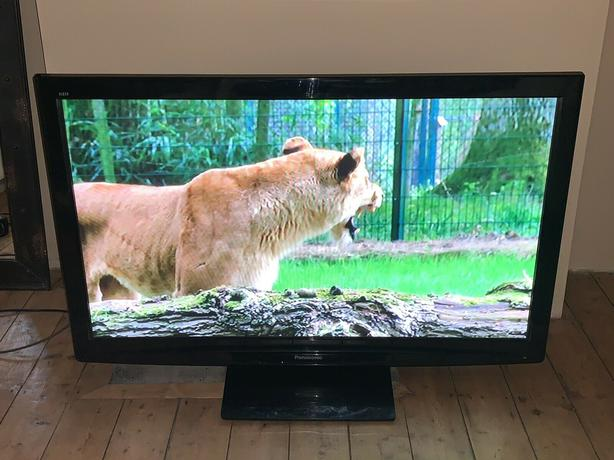 50 inch panasonic viera hd tv+freeview +remote+DELIVERY
