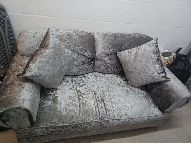 brand new 2 seater crushed velvet sofa