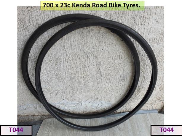 700 x 23c Kenda Road Bike Tyres.