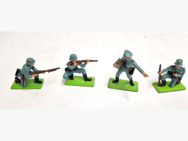 Britains Ltd Deetail Army Figures.
