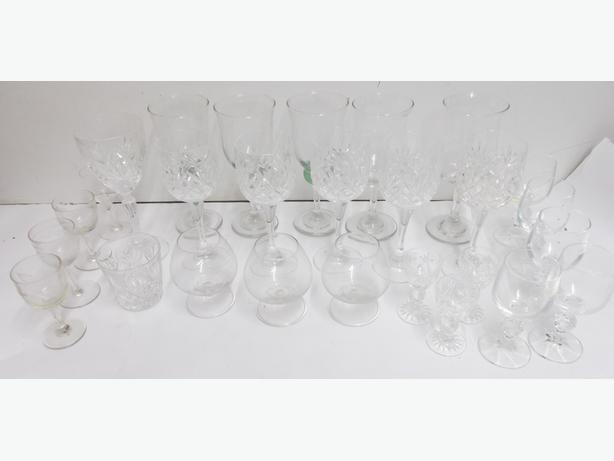 Joblot of Glassware