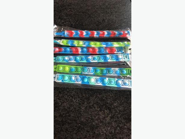 childrens fidget wristbands £1 each perfect stocking or party bag fillers.