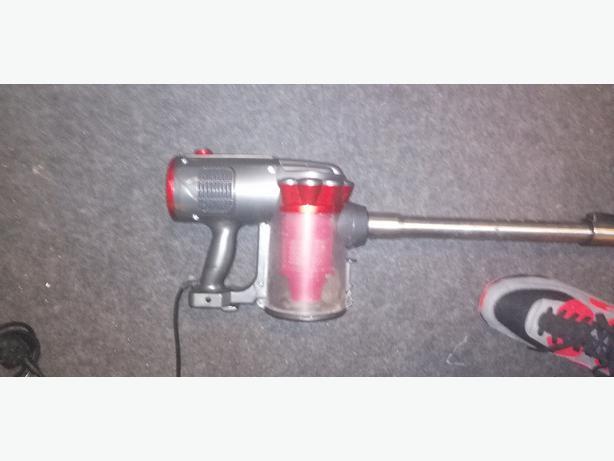 Goodman's handheld vacuum - delivery - £10 -