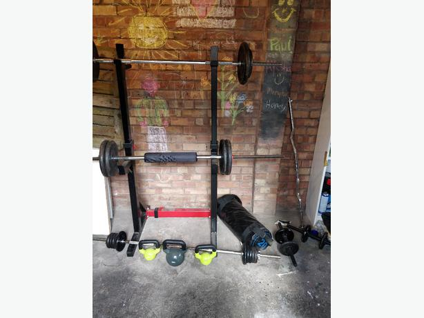 weights bars and squat rack