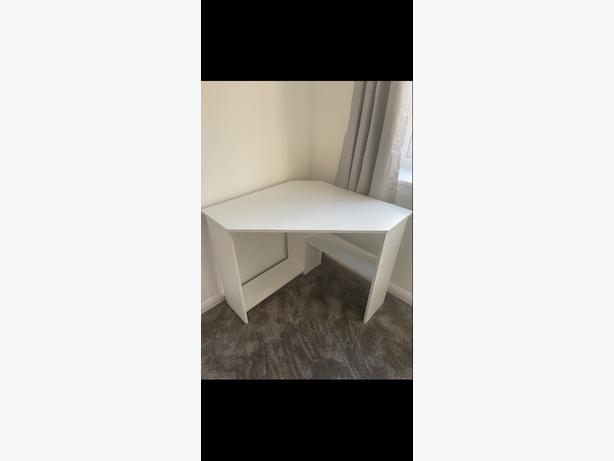 White corner desk - BRAND NEW