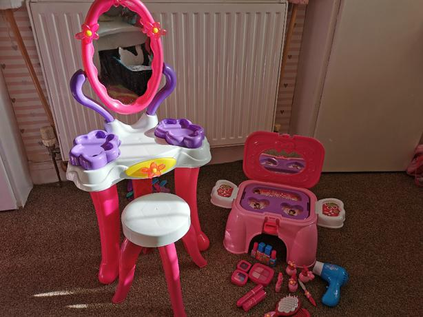 Dressing Table and Make up Box