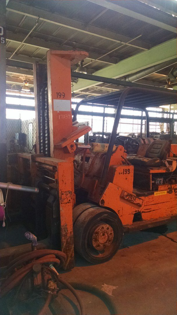 40 000lb cat towmotor royal forklift for sale 616 200 4308 for Used tow motors for sale