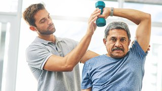 Torn rotator cuff: Symptoms, diagnosis, and treatment options
