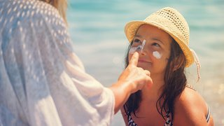 How do I choose the best sunscreen?