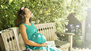 Hot, hot, hot! Tips to beat the summer heat during pregnancy