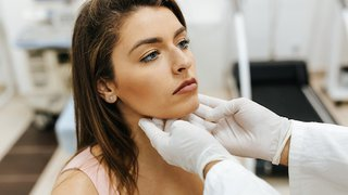 Radiofrequency ablation shrinks thyroid nodules without surgery