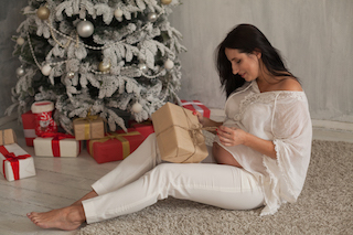 Holiday Gift Ideas For Pregnant Women And Some Presents To Avoid Your Pregnancy Matters Ut Southwestern Medical Center