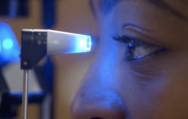 Eye screening tight blue light 600.png