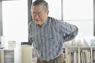 adult-scoliosis-leg-pain-320