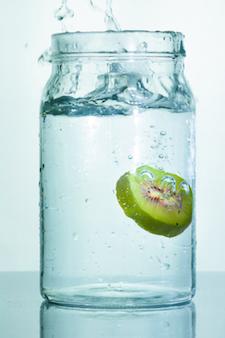 kiwi-water-225x338