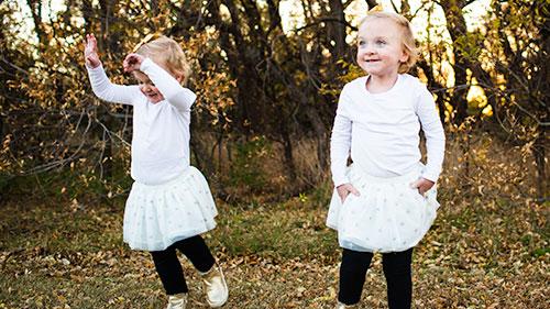 Paige & Ella Twins 500x281